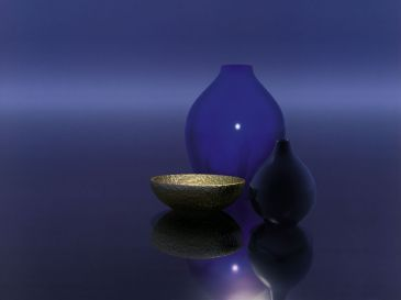 Zátiší - Blue Vases with Bowl, Trevor Scobie
